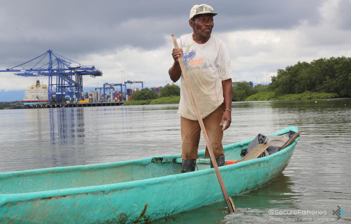 Photo Essay: A Window Into a Colombian Fishing Community at