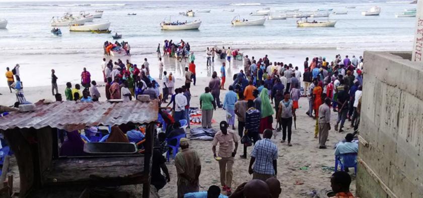 fishers and crowd at Lido Beach Mogadishu